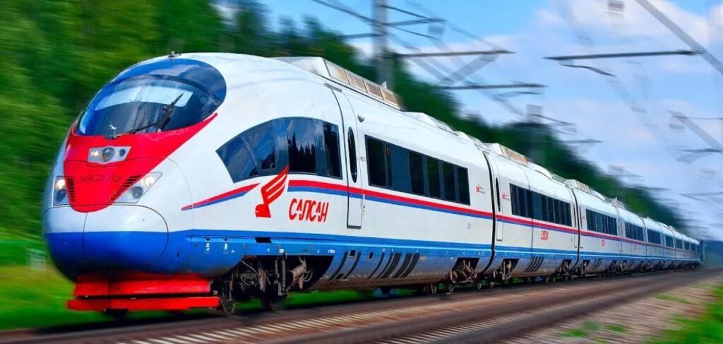 Самый быстрый способ доехать из Москвы в Питер